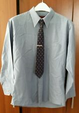 Saxon Fitted Solid Gray/Blue Botton Front, L/S Collared, Cotton/Plyester Shirt