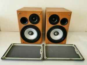 Hitachi A pair of 2 way Speakers System 50 watts Input 8 ohm