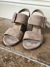 Stuart Weitzman Size10.5M beige suede calfskin sandal with leather sole