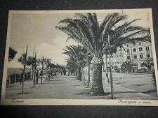 1930 CARTOLINA ANTICA TARANTO PASSEGGIATA A MARE VIAGGIATA ANIMATA