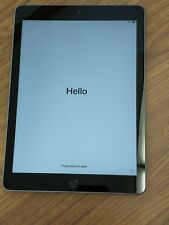 Apple iPad (6th Generation) - 32GB - Wi-Fi, 9.7in - Space Gray - Excellent