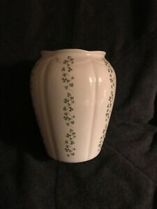 Royal TARA Fine Bone China Ireland Vase