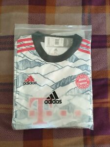FC BAYERN 21/22 THIRD JERSEY xl MENS - Brand New With Tags