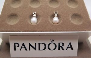 New w/Hinged Box Pandora 14 kt Gold Pearl Perfection Diamond Earrings 250444D