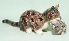 Klima Miniature Porcelain Animal Figure Cat with Kitten Lying E317