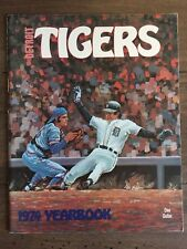 Detroit Tigers 1974 Vintage MLB yearbook - Tiger Stadium