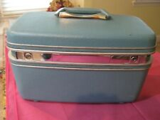 Vintage Samsonite Train Case / Make-Up / Luggage BLUE White Tray with Key
