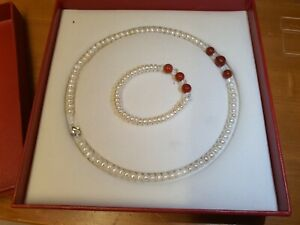 Pearl with red agate necklace and bracelet set