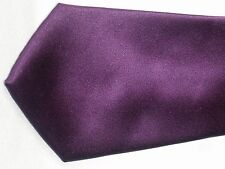 MENS EX-STORE PURPLE TIE IN EXCELLENT CONDITION   # 119.