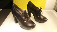 """Vince Camuto """"Canasta"""" women's size 7.5 Good condition Leather Heels"""