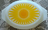 Vintage Pyrex ~ Yellow ~ 1.5 Quart ~ Divided ~ Daisy Design ~ Ovenware w/Lid