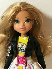 Moxie Girlz Doll With Clothing, Jacket and Shoes/Boots, Blonde Hair, Green Eyes