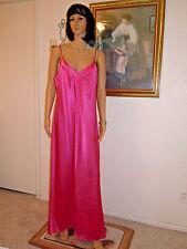 LUCIE ANN vintage CHARMEUSE FUCHSIA SATIN Polyester Nightgown size M medium