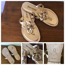 2002 Bernardo Women's Thong Slip On Leather Gold Metallic Sandals Brazil 8 M