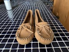 BRAND NEW NWOB SUEDE MOCCASINS MINNETONKA WOMEN'S 11 SLIPPER SHOE LIGHT BROWN 💗