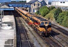 PHOTO  IRISH RAILWAY - CIE LOCO NO  177 & 160 DUNDALK 09.07.1989
