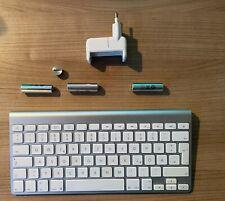 Apple Bluetooth Deutsch Tastatur (MC184D/A  A1255 ) mit 3 Akkus und Ladegerät!