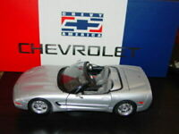 BURAGO 1998 CHEVROLET CORVETTE CONVERTIBLE MUSCLE CAR -Silver, NIB 1/18