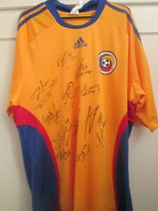 Romania 2008-2010 Squad Signed Home Soccer Football Shirt COA / 48347 tricou