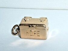 VINTAGE 14K YELLOW GOLD 3D HOPE CHEST CHARM opens to a man