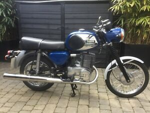 MZ TS250/1 Supa 5. Complete rebuild by professional. Excellent condition.
