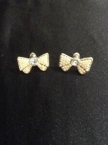 SPECIAL OFFER- Vintage Style Silver Pearly Bow Earrings. Bow Jewellery