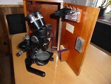 Antikes Leitz Mikroskop im Holzschrank - mit mehreren Okularen und Objektiven