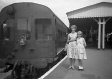 PHOTO  GWR AUTO COACH AT BOURNE END IN 1960