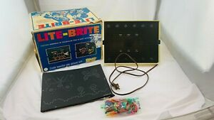 1967 Lite Brite with 10+ Sheets, Bag of Pegs Working in Very Good Cond FREE SHIP