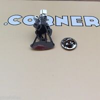 Pin's Folies *** Corner signé n° 487 Cinema Movie Enamel Cameraman Cadreur