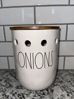 """RAE DUNN Artisan Collection By Magenta """"ONIONS """" 🧅🧅Ceramic Cellar w Wooden Lid"""