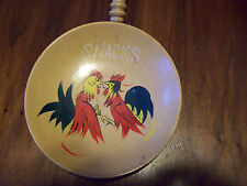 VINTAGE RETRO HAND PAINTED ROOSTER WOOD SNACK BOWL WITH HANDLE