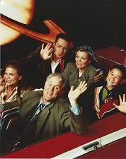 3RD ROCK FROM THE SUN CAST 8 X 10 PHOTO WITH ULTRA PRO TOPLOADER