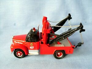 Corgi 53602 Mack B Wrecker Breakdown Truck - Chicago Fire Dept - 1:50 - Superb.