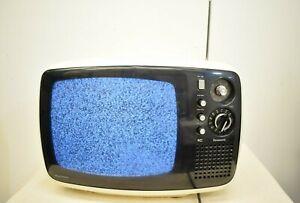 Vtg 70s Panasonic TR-542 Solid State Portable TV Television White Black