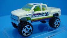 Chevrolet 4 x 4 Silverado 1999 Truck Snowborads Matchbox 1:64