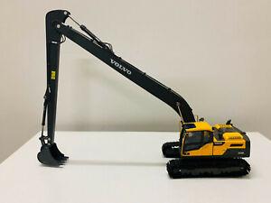 Volvo EC220D Long Boom Hydraulic Crawler Excavator Metal Tracks 1:50 DieCast