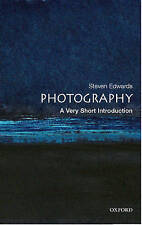 NEW Photography: A Very Short Introduction (Very Short Introductions)