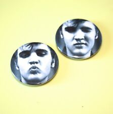SET OF 2 ELVIS PRESLEY THE KING OF ROCK BUTTON PIN BADGES