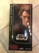 Lado muestran Coleccionables señores de los Sith Darth Vader Sith aprendiz af SSC1021