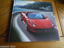 HB Brochure FERRARI 458 SPIDER : catalogue cartonné 72 pages GB / IT