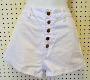 NEW White SHORTS Front BUTTON UP Woman ARDEN B Size 10 Back Pockets Cuffs