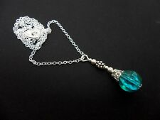 A LOVELY BLUE GREEN CRACKLE GLASS  BEAD  PENDANT NECKLACE.  NEW.