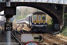 FCC 319437 arrives Sutton 2007 Rail Photo