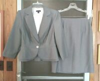 NEW WOMENS SWEET SUIT GRAY PINSTRIPE 2 PIECE BLAZER JACKET AND SKIRT SET SIZE 6