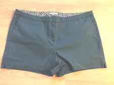 BODEN green   cotton  Richmond shorts size 22 NEW  WJ044