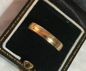 Women's 9ct Gold Vintage Wedding Band Ring Patterned Size P Weight 1.3g Stamped
