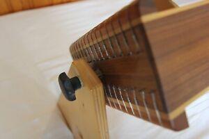 Monochord - Wunderschön gearbeitetes Instrument mit warmen, vollem Klang.
