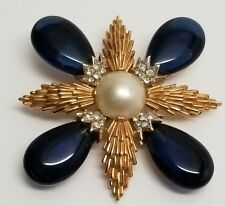 Vintage Signed Trifari Maltese Cross Pin/Brooch