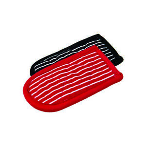 Lodge 2HH2 Black/Red Cotton Striped Hot Handle Holder 6 L x 3 W x 1/2 Thick in.